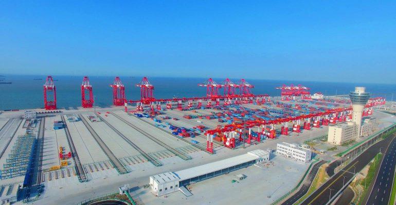 Trung Quốc tìm cách tăng tốc nền kinh tế xanh bao gồm vận tải biển và cảng