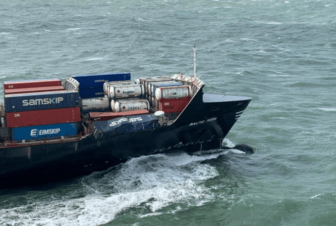 Tàu Baltic Tern rơi mất 5 container ở Biển Bắc