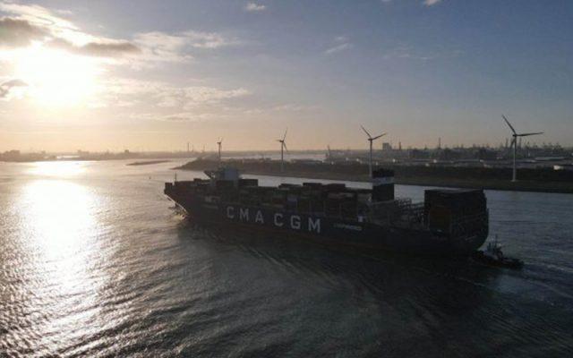 CMA CGM đặt hàng 22 tàu container mới
